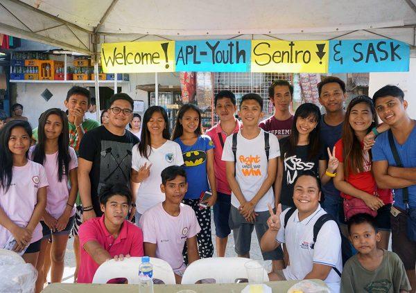 Filippiiniläisiä nuoria