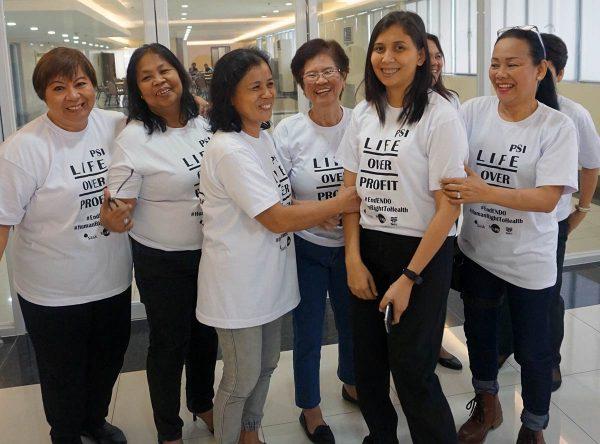 Filippiiniläisiä sairaanhoitajia