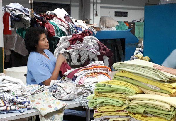 Sairaalan pesula Guatemalassa