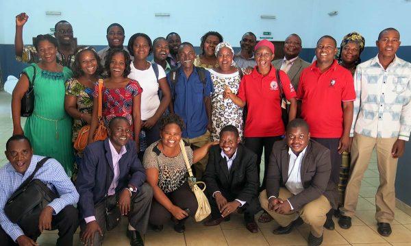 Julkisen alan työntekijöitä Mosambikissa