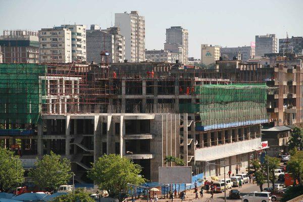Mosambikilainen rakennustyömaa