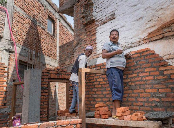 Nepalin rakennusmiehet lähtevät usein ulkomaille siirtotyöhön leveämmän leivän perässä