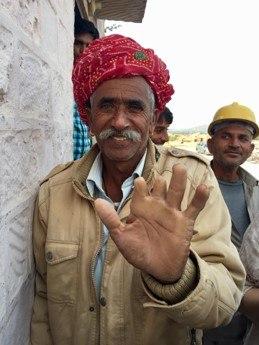 Kivilouhostyöntekijä Intiassa