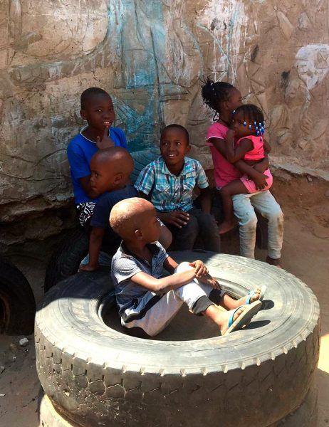Mosambikilaisia lapsia