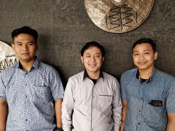 Jakartan lentokentän työntekijöitä Indonesiassa